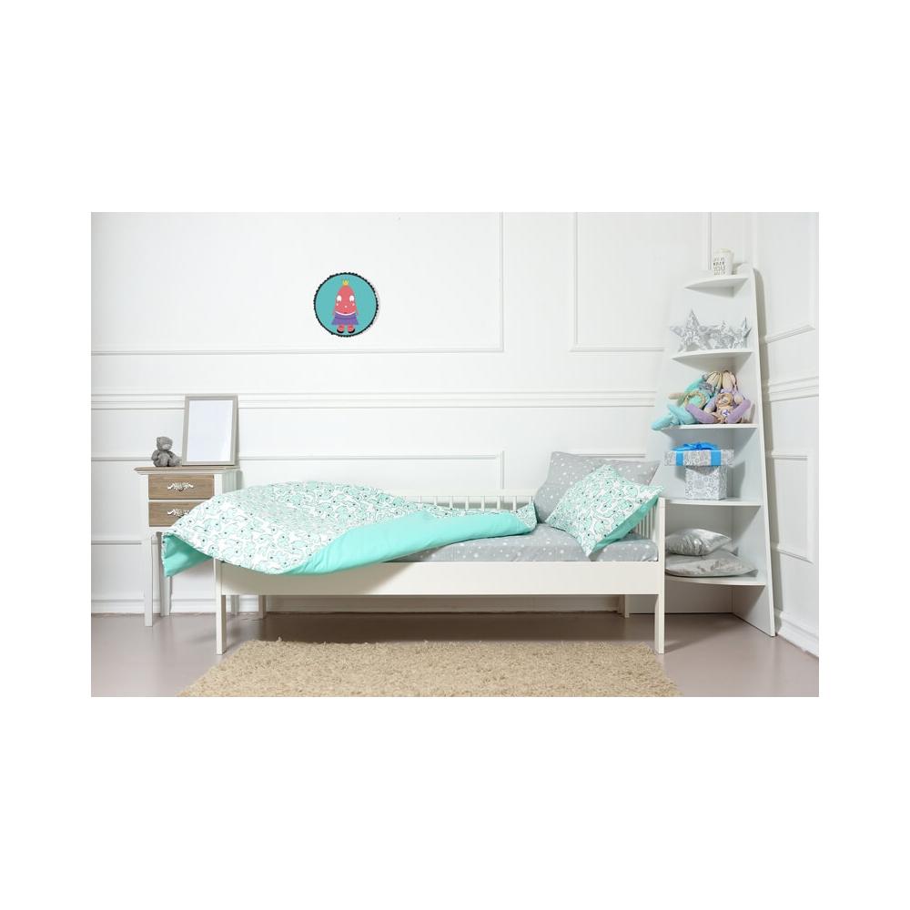 Vinilo Infantil Niña ella turquesa para decorar el dormitorio de la niña