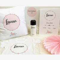 Pack Bienvenido al mundo flores rosa