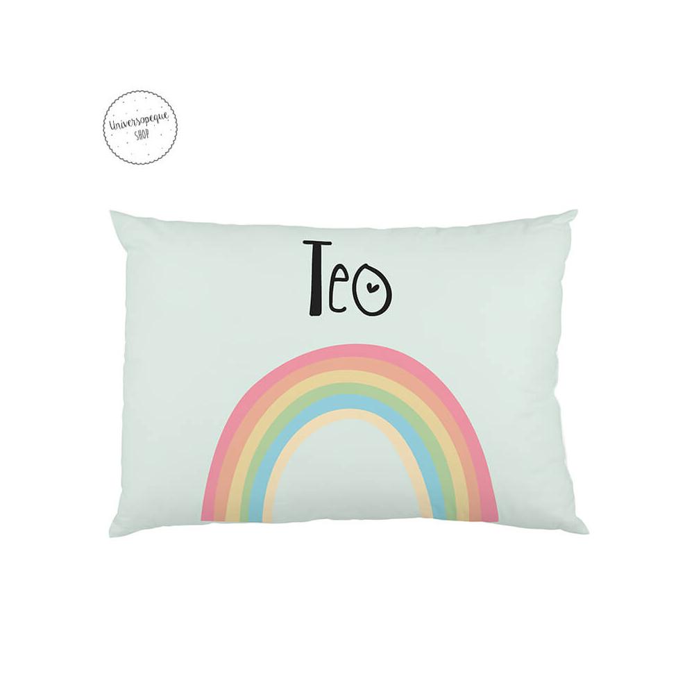 cojin guarderia personalizado con el diseño de un arco iris